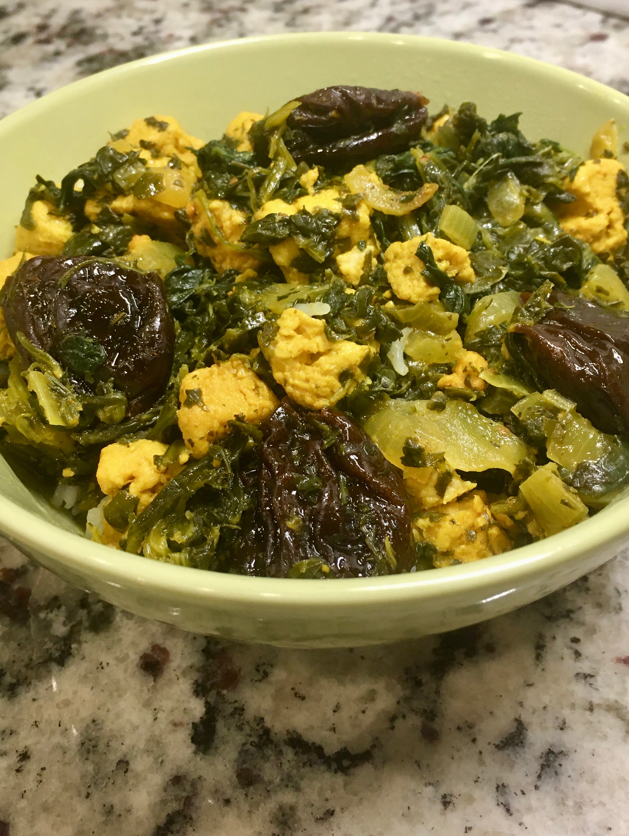 Spinach stew in bowl